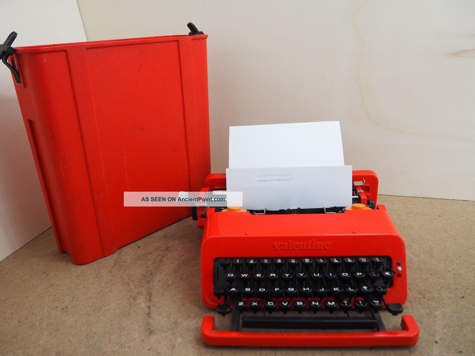 Vintage Typewriter Olivetti Valentine Schreibmaschine Ecrire Escribir Scrivere Typewriters photo