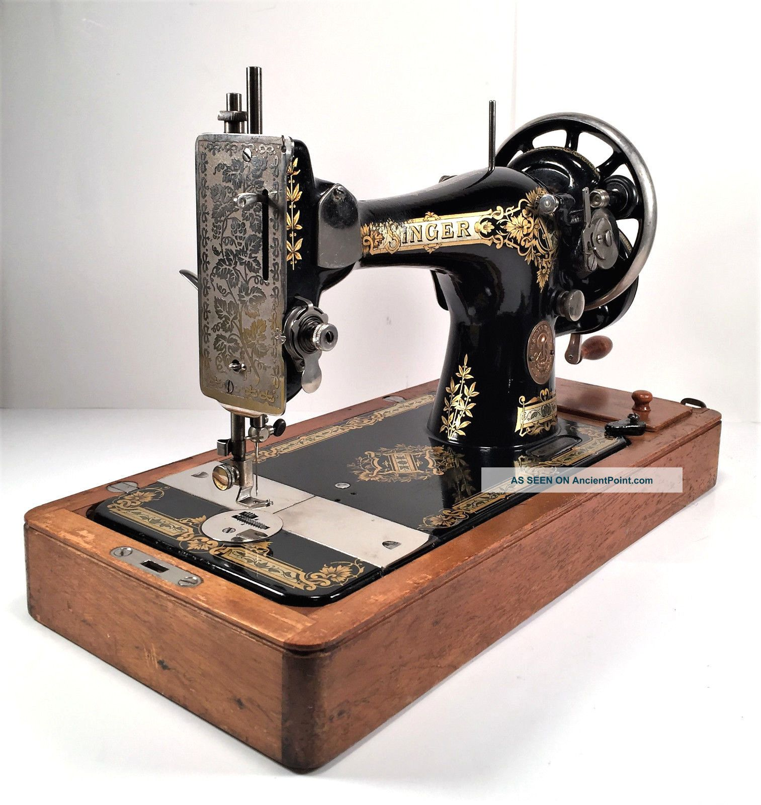 Singer Model 28 Hand Crank Sewing Machine W Bentwood Case Victorian Decals 1918 See more Singer 20u Mechanical Sewing Machine photo