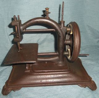 Antique Cast Iron Childs Toy Sewing Machine Hand Crank Unknown Maker? photo