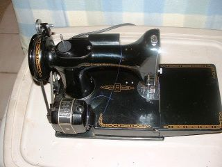Singer Featherweight 221 Sewing Mechine photo