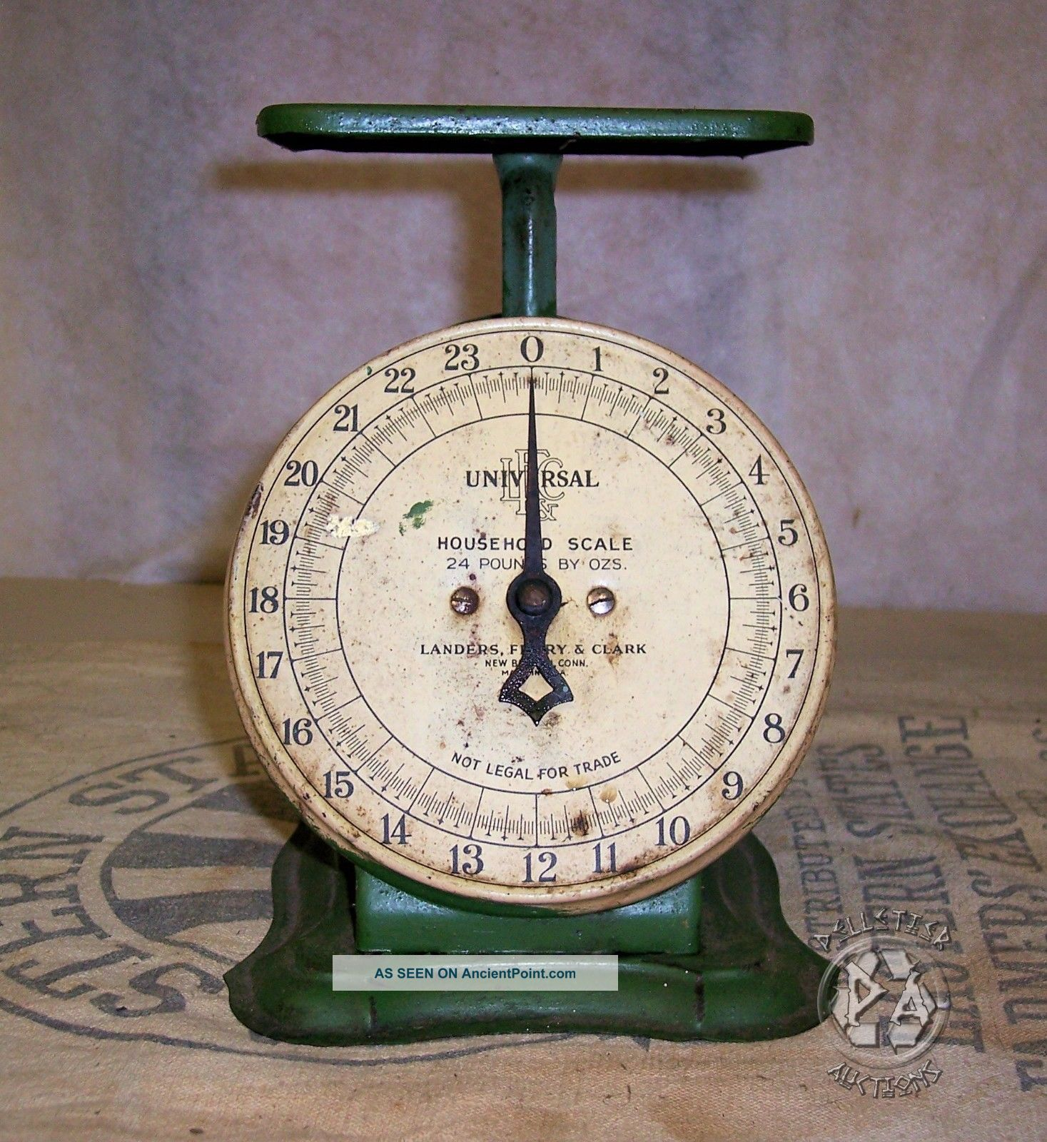 Antique Vintage Universal Landers,  Frary & Clark,  24 Pound Capacity Scale Scales photo