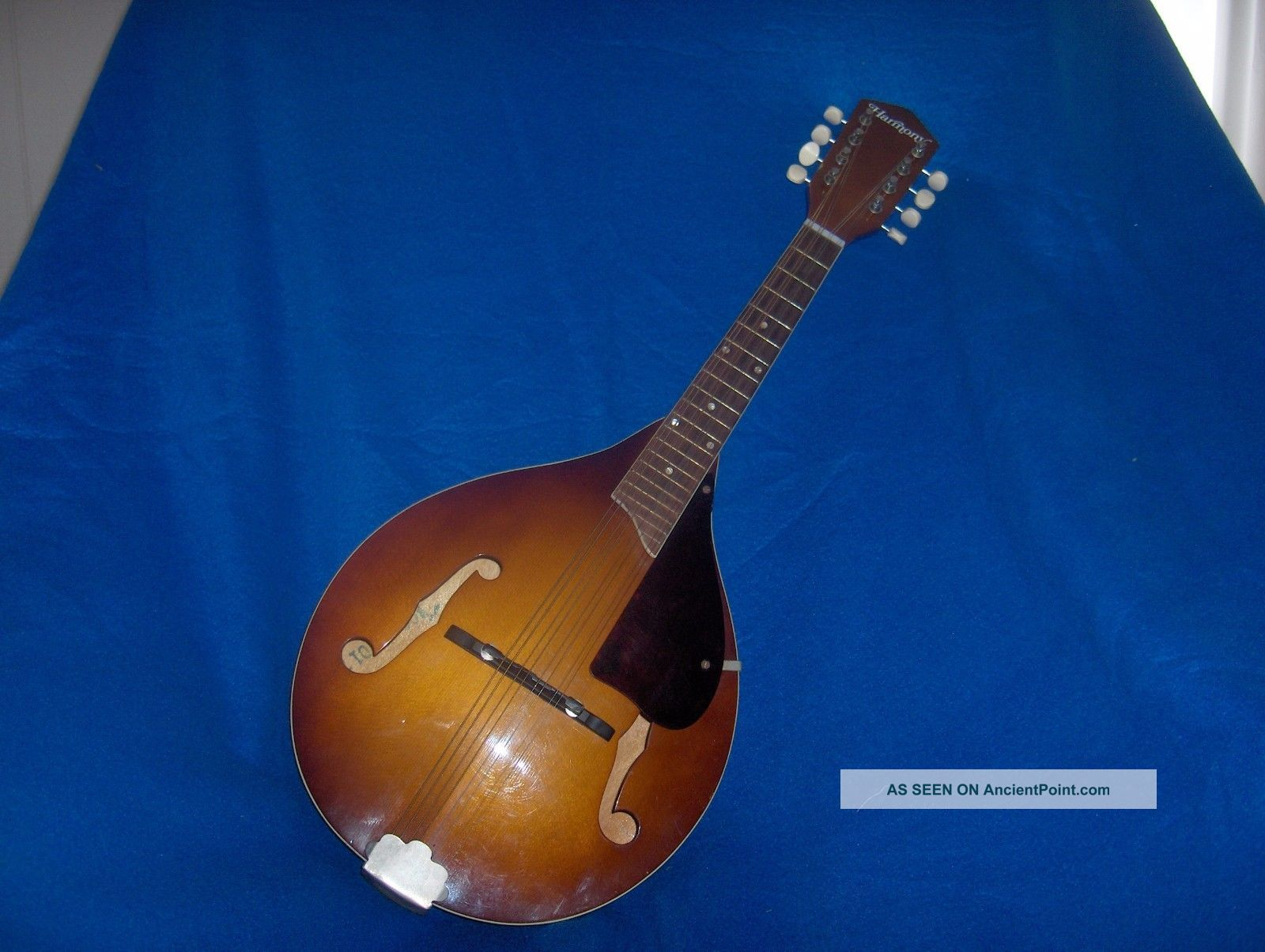 Vintage Harmony Mandolin Org.  Case.  Gibson String Made In U.  S.  A String photo