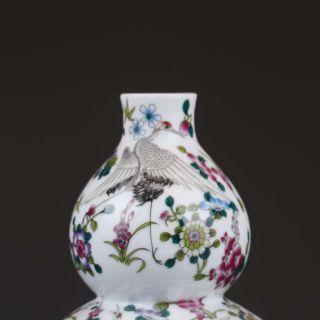 Chinese Famille Rose Porcelain Hand Drawn Gourd Vase W Qianlong Mark photo