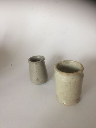2 Excavated Ointment Pots Delftware And Stoneware Around 1625 - 1650. photo
