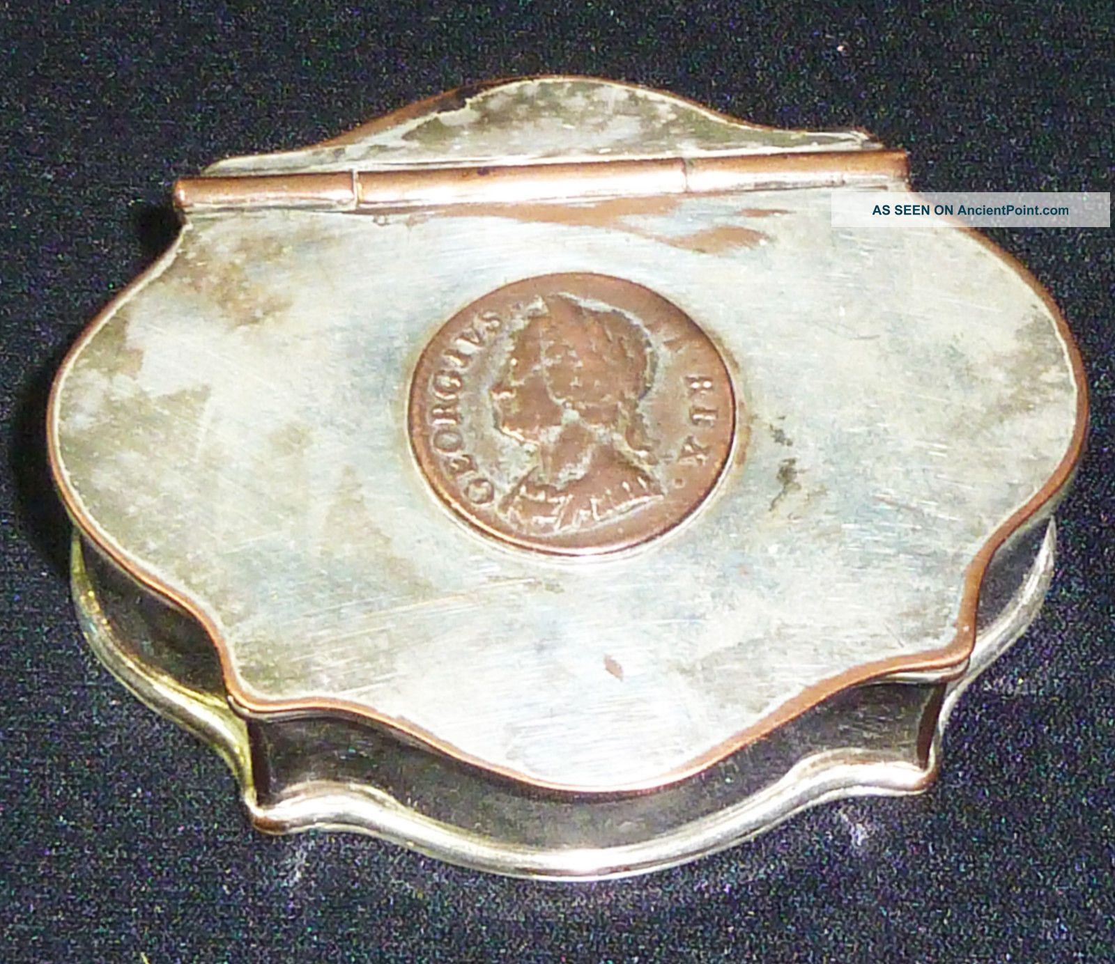 Antuiqe Georgian Sheffield Plate Snuff Box With Inset George Ii Coin.  Circa 1790 Pitchers & Jugs photo