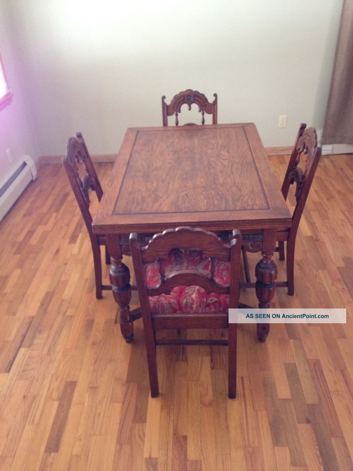Antique Oak Wood Dining Table With 2 Pull Out Leafs And 4 Chairs 1900-1950 photo