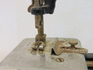 Antique 1914 - 1926 Singer Miniature Sewing Machine Cast Iron Rare photo