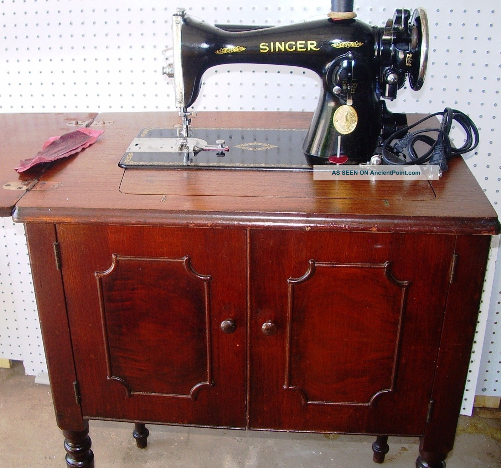 Singer 15 - 91 Direct Drive Sewing Machine,  Egyptian Scroll,  47walnut Cabinet,  1935 Sewing Machines photo