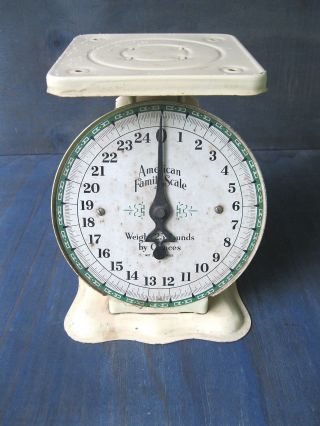 Antique Scale Kitchen American Family,  Old Cream/yellow Paint,  25 Lbs photo
