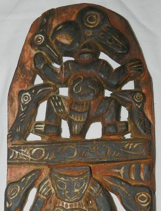 Guinea : Old Wooden Story Board - Tribal Art photo