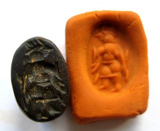 400 A.  D Sassanian Empire Zoomorphic Pirite Zoomorphic Seal Matrix - God Figure photo