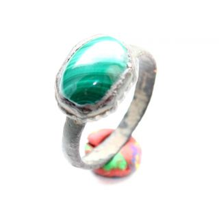 Ancient Medieval Bronze Finger Ring With Malachite Inlay (arl02) photo