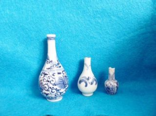 Three Chinese Double Gourd Blue White Miniature Dolls House Vases Kangxi 18th C photo