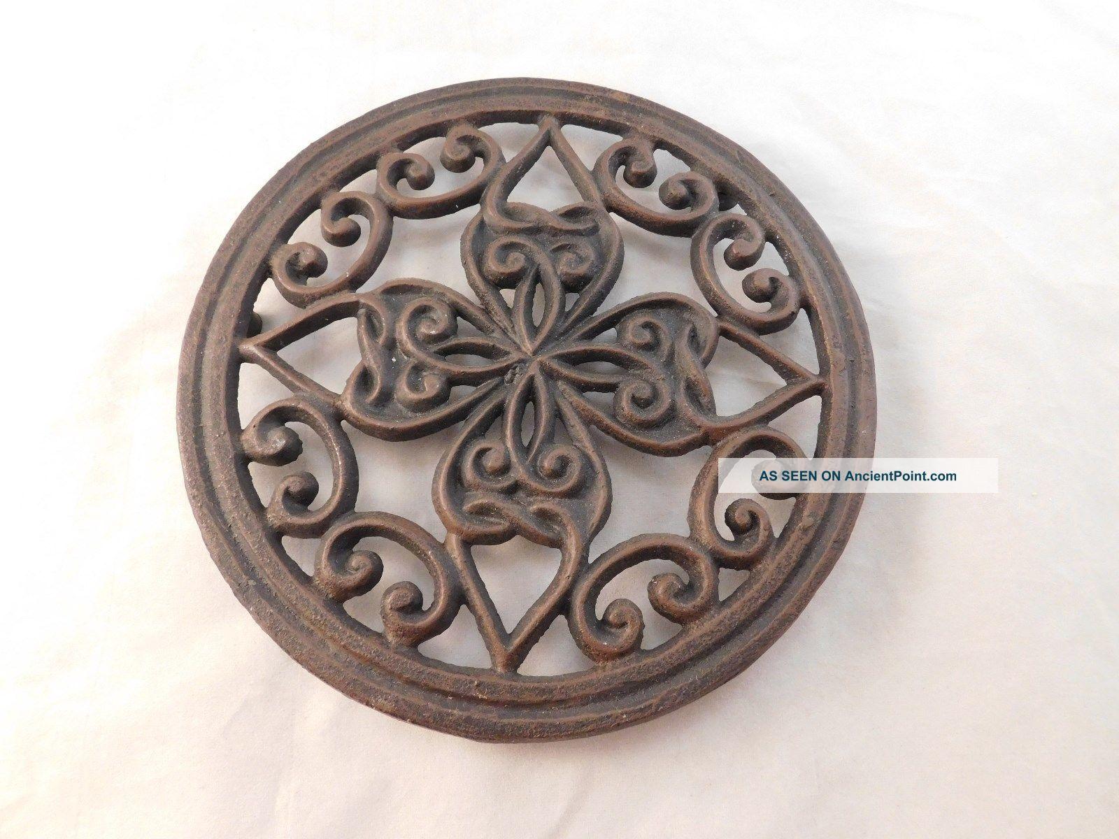 Antique Cast Iron Heart And Scroll Triveit - Circa 1900 Trivets photo