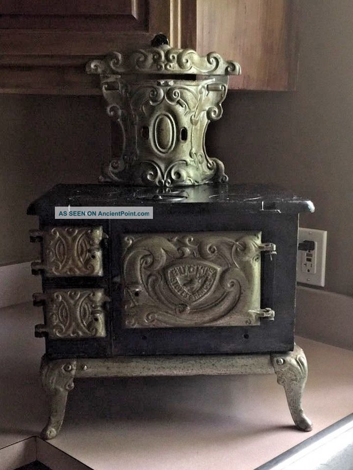 Antique Buck ' S Junior 4 Cast Iron Stove Child Or Salesman Restoration Or Parts Stoves photo