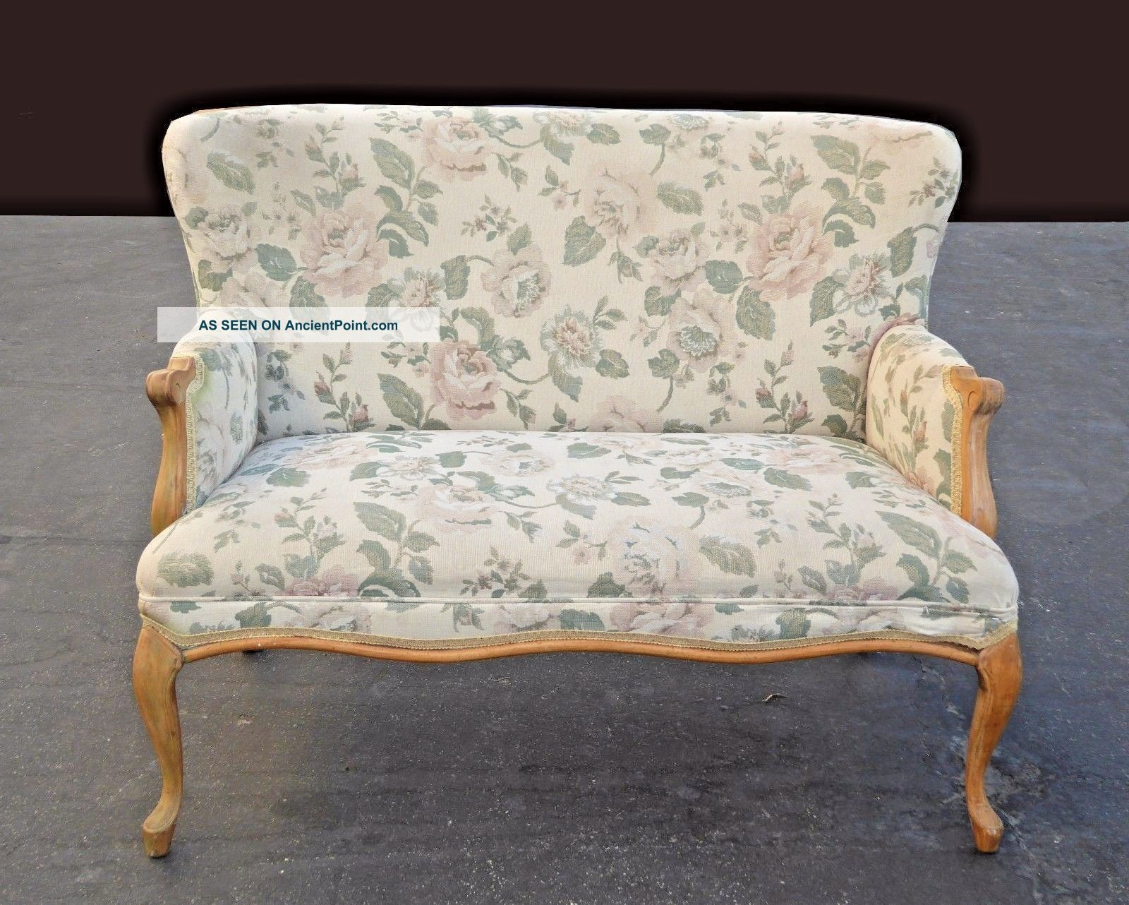 Vintage French Country Cottage Settee Loveseat Floral Print Post-1950 photo