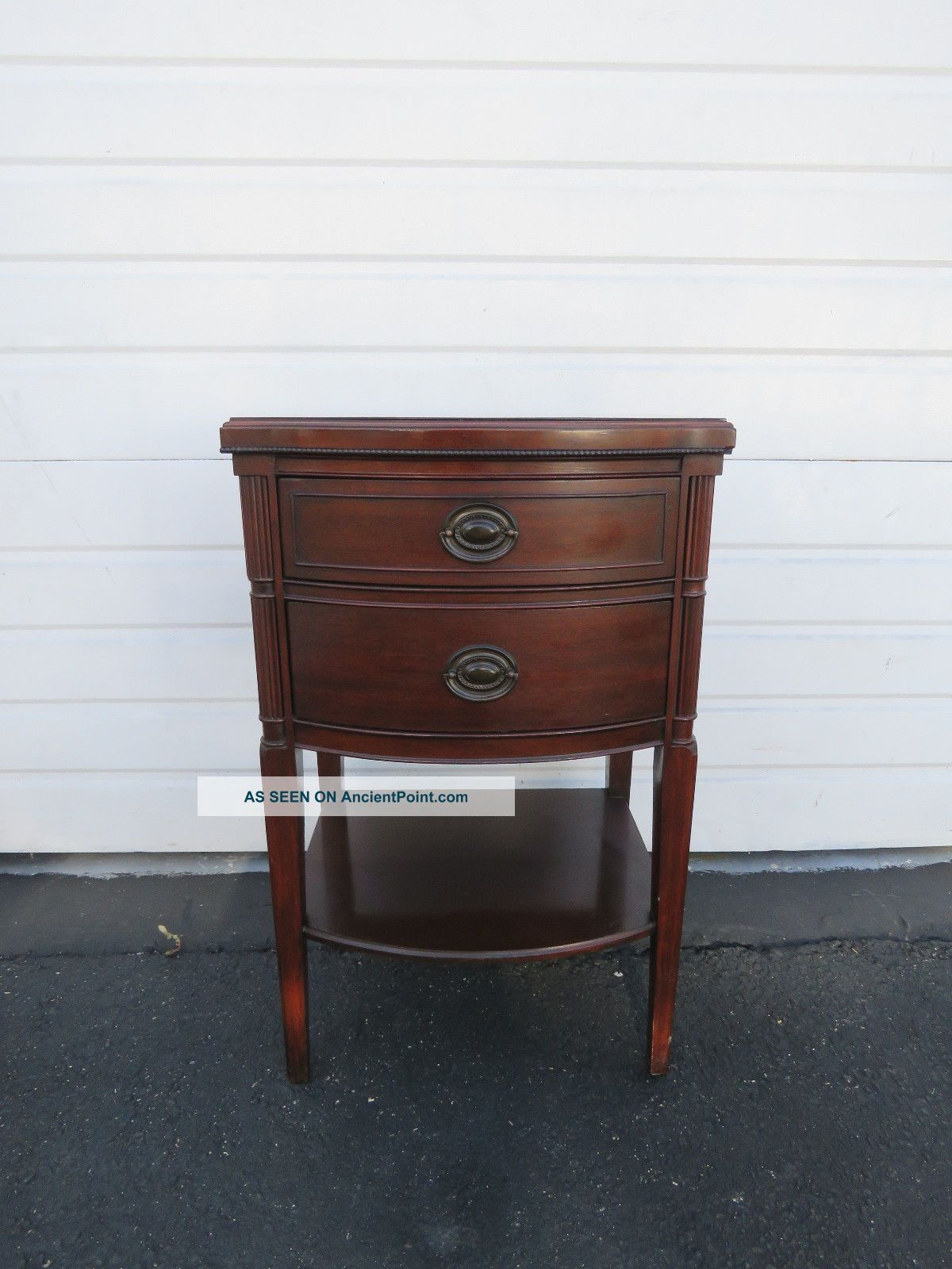 Mahogany Nightstand End Side Table 8470 1900-1950 photo