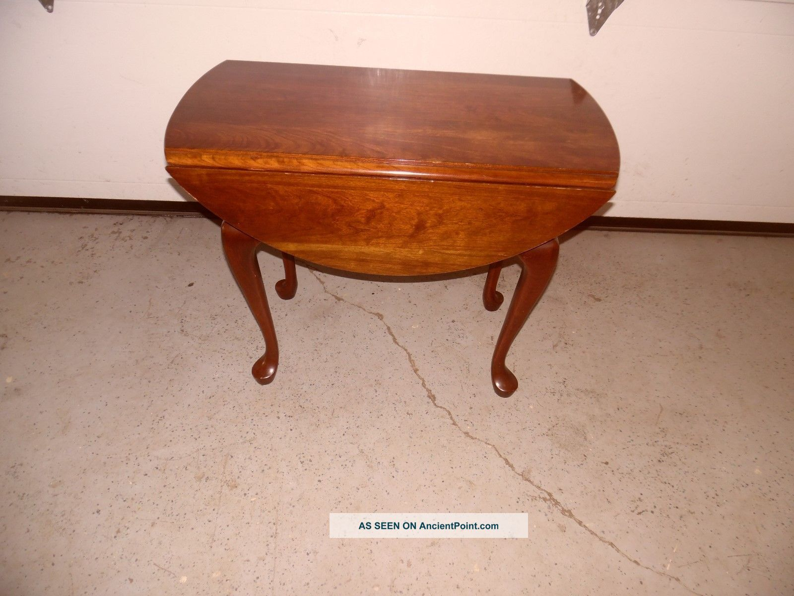 Pennsylvania House Cherry Queen Anne Style Drop Leave Table Post-1950 photo