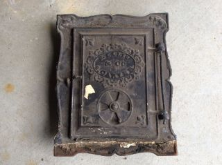 Antique Cast Iron Wood Stove Door Bee Hive Benjamin Ellis Carver Ma C1812 - 1856 photo