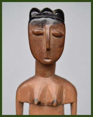 Attractive Female Venavi Doll From Ghana ' S Ewe Tribe photo