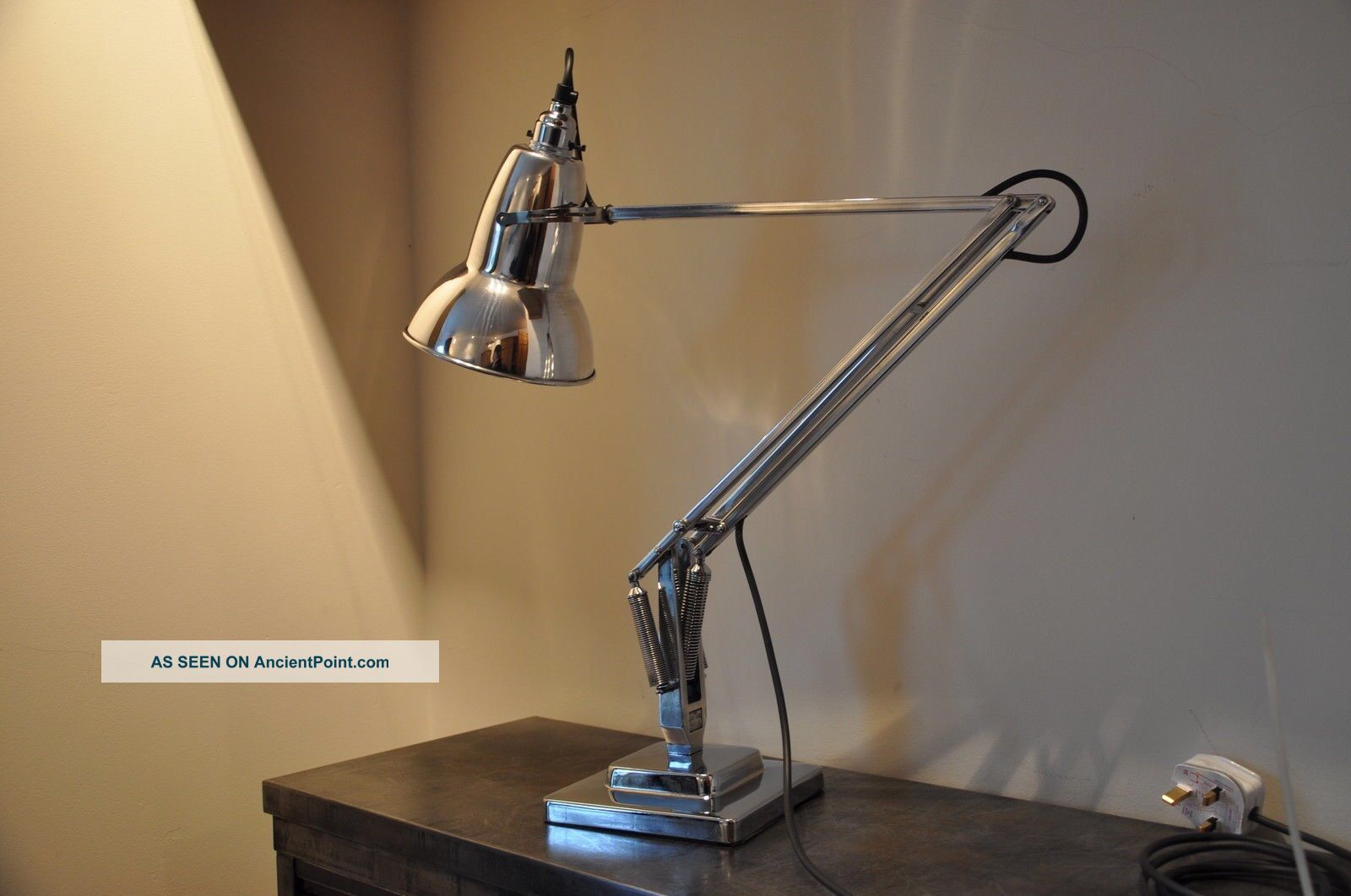 Anglepoise Lamp 1930 ' S Deco Retro English Design Classic Early Rimmed Shade 20th Century photo
