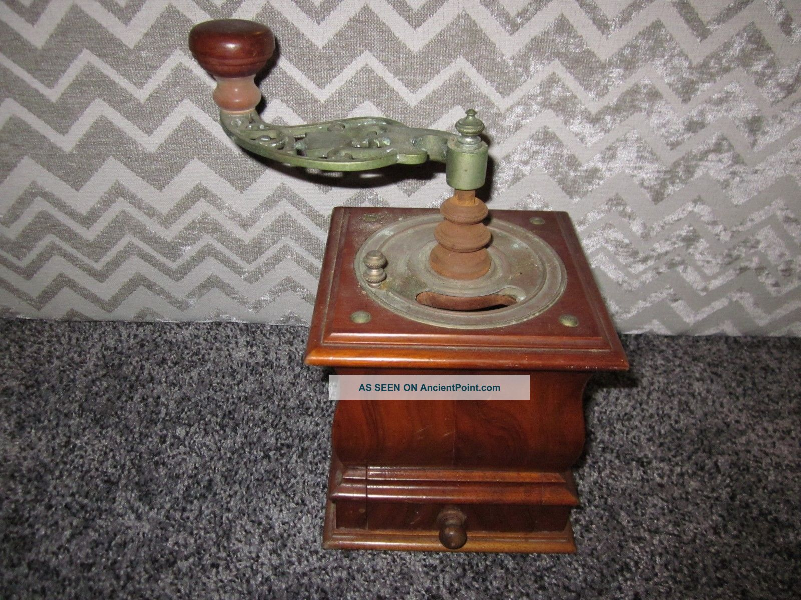 Vintage Antique Hand Crank Table Top Coffee Grinder W/dovetailed Drawer Primitives photo