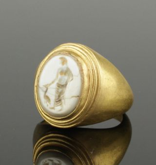 Large Ancient Roman Gold Intaglio Ring With Goddess 2nd Century Ad photo