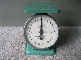Antique Scale Kitchen American Family,  Vintage,  Old Green Paint,  25 Lbs photo