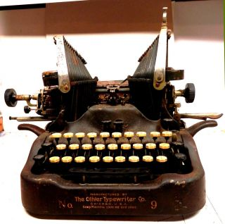 Oliver No.  9 Typewriter Standard Visible Writer 1912 - 1913 photo