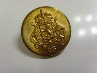 Antique Metal Lion Shield Crown Arrows Coat Of Arms Uniform 1 1/8  Button 46969 photo