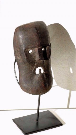 Little Mask With Tooth And Angry Face - Timor - Tribal Artifact photo
