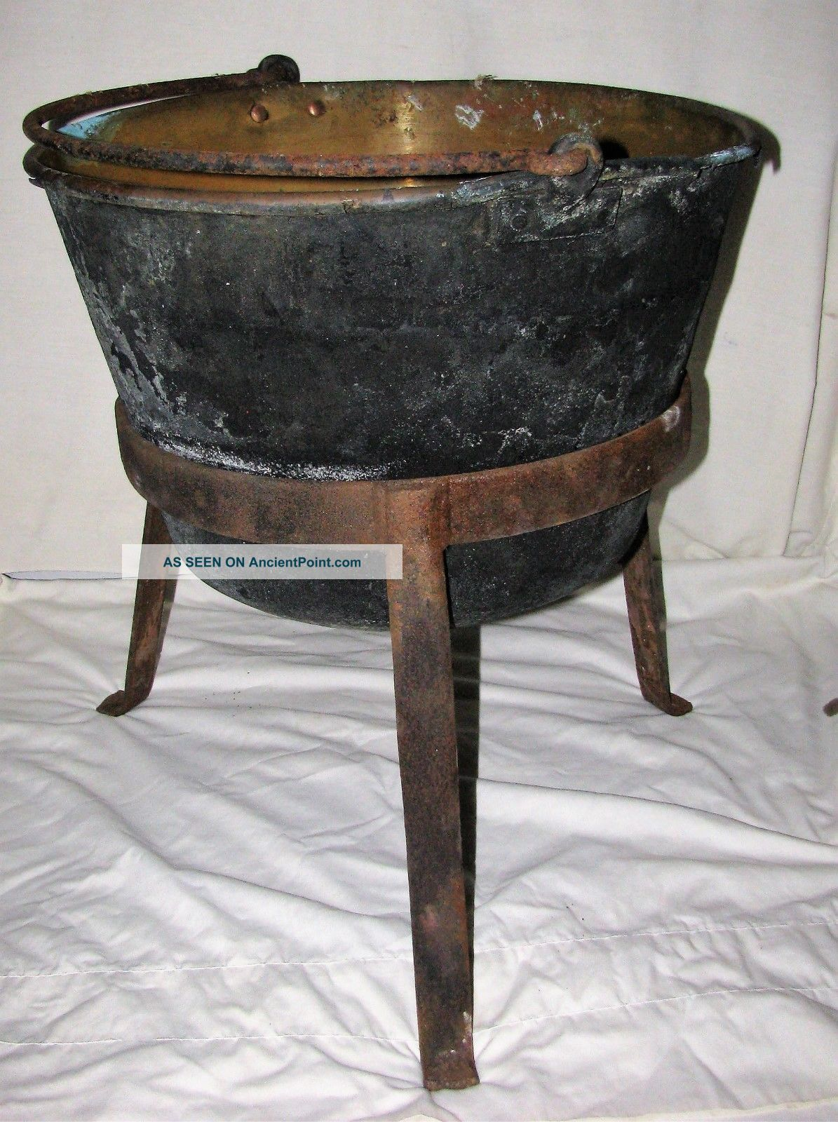 19th Century Small Copper Apple Butter Kettle With 3 Leg Stand. Other Antique Home & Hearth photo