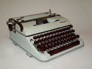 Old Vtg 1950s Olympia Sm3 Portable Typewriter West Germany Great W/case photo