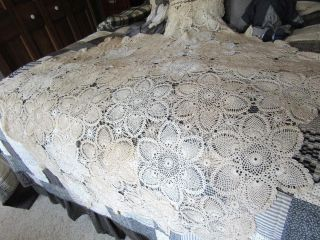 Vintage Handmade Lace Tablecloth - Beige/cream - 63