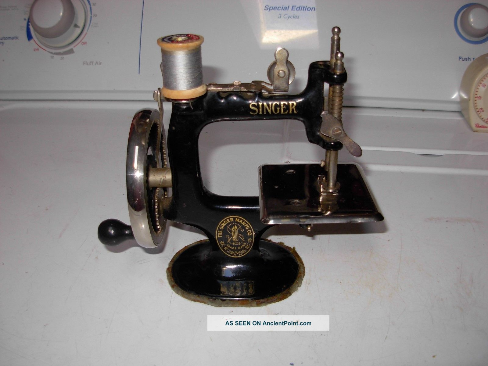 Antique Singer Sewing Machine - Toy / Salesman Sample Sewing Machines photo