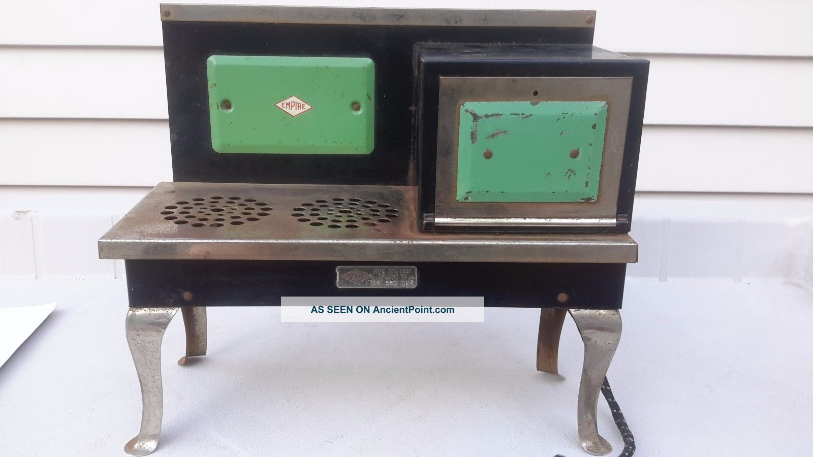 Antique Empire Metal Ware Two Rivers Wis.  Childs B24 Toy Kitchen Range Stove Stoves photo