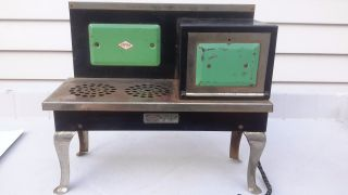 Antique Empire Metal Ware Two Rivers Wis.  Childs B24 Toy Kitchen Range Stove photo