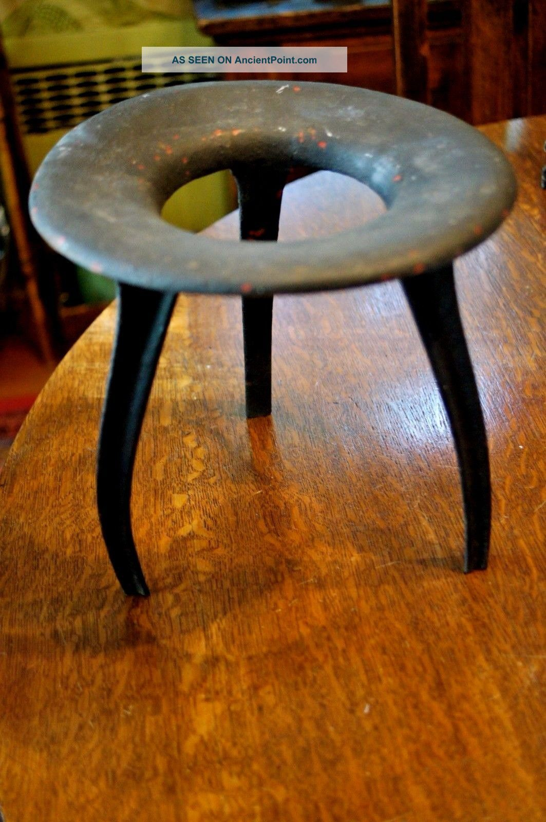 Antique Landsdowne Milking Stool Cast Iron Design Great Mid Modern Century Look 1900-1950 photo
