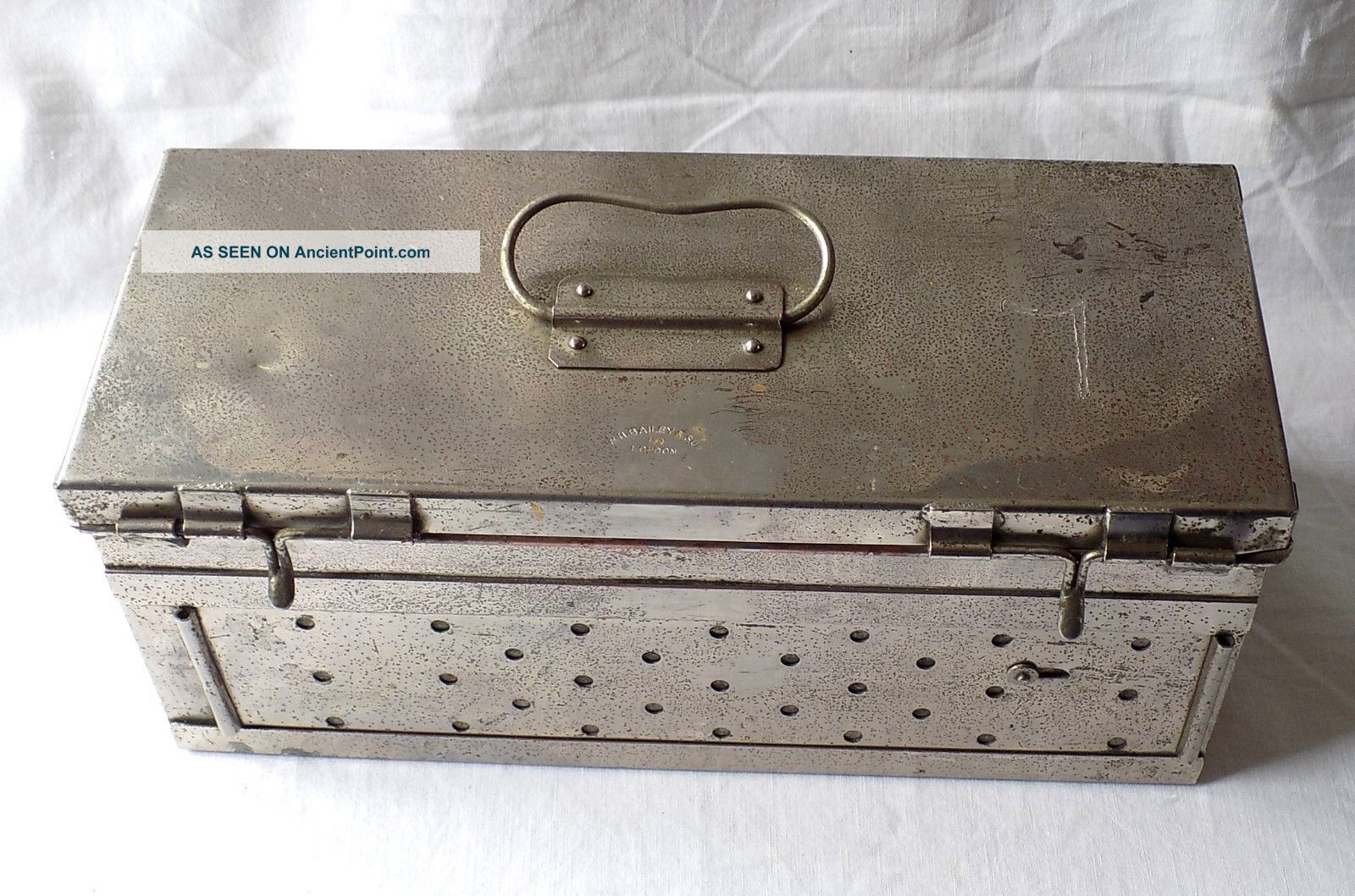 Early 20th Century W.  H Bailey & Son Medical Sterilisation Box.  Ww 1 Field Gear? Other Medical Antiques photo