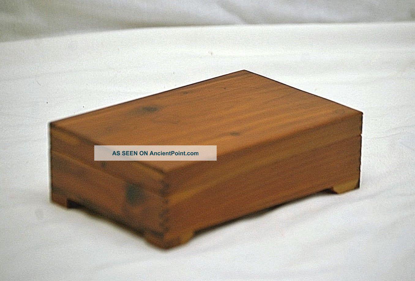 Old Vintage Wooden Cedar Jewelry Trinket Box W Finger Joint Dresser Shelf Mcm Boxes photo