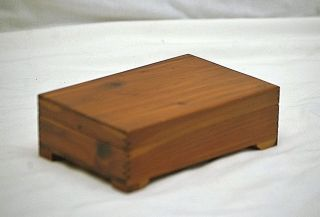 Old Vintage Wooden Cedar Jewelry Trinket Box W Finger Joint Dresser Shelf Mcm photo