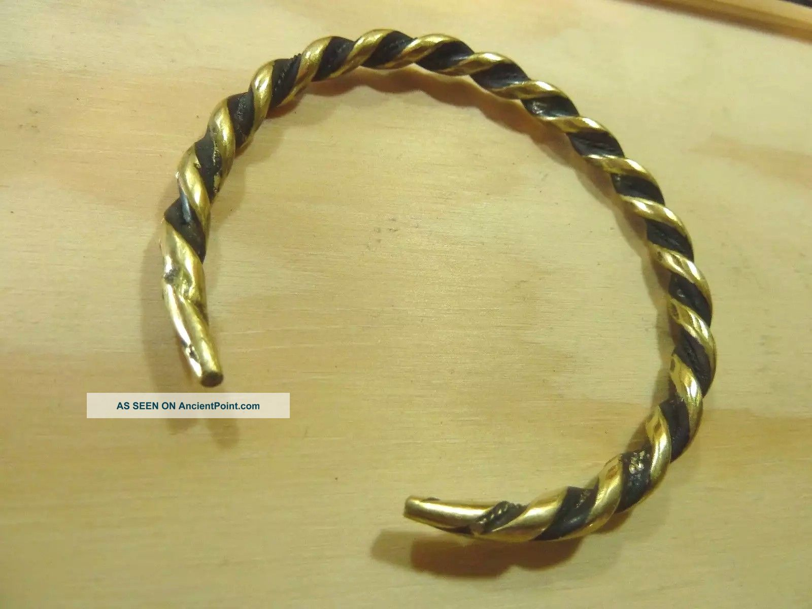 Antique Hand Crafted Bronze Viking Bracelet 23,  11 Gr. Reproductions photo