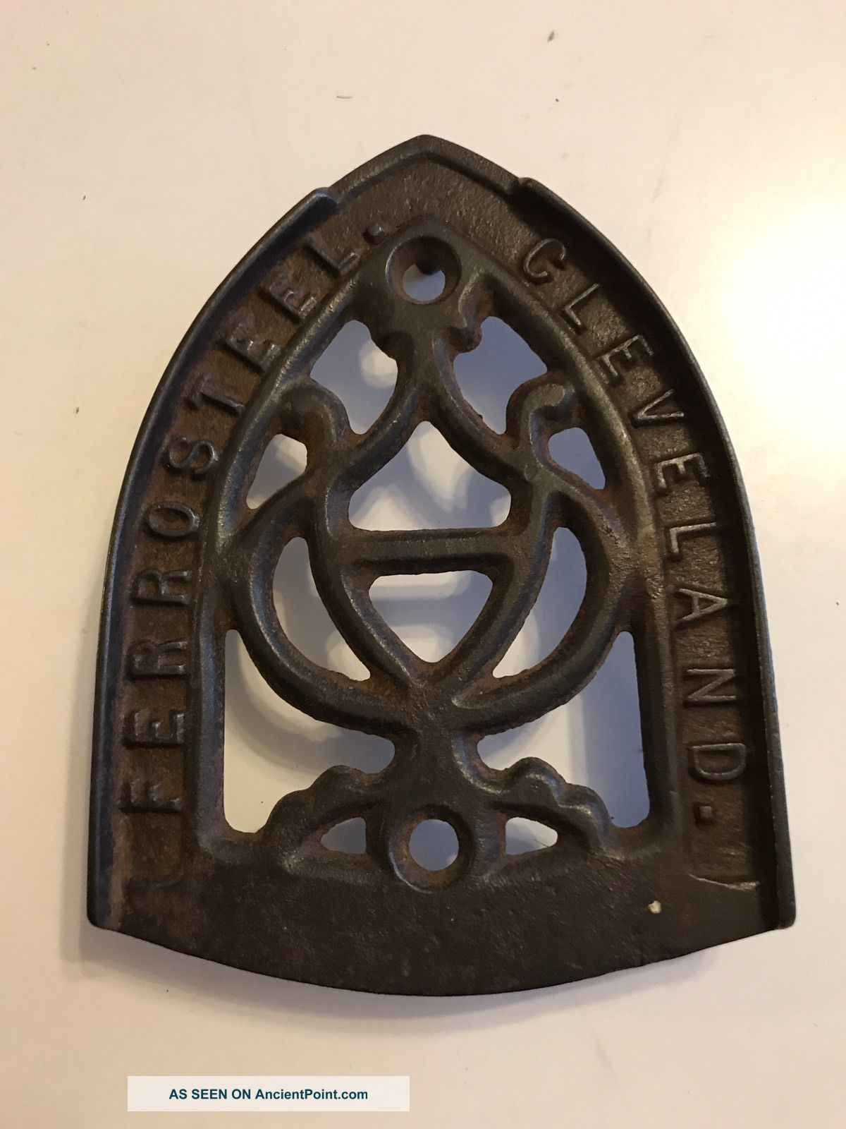 Antique Cast Iron Sad Iron Trivet Ferro Steel Cleveland Trivets photo