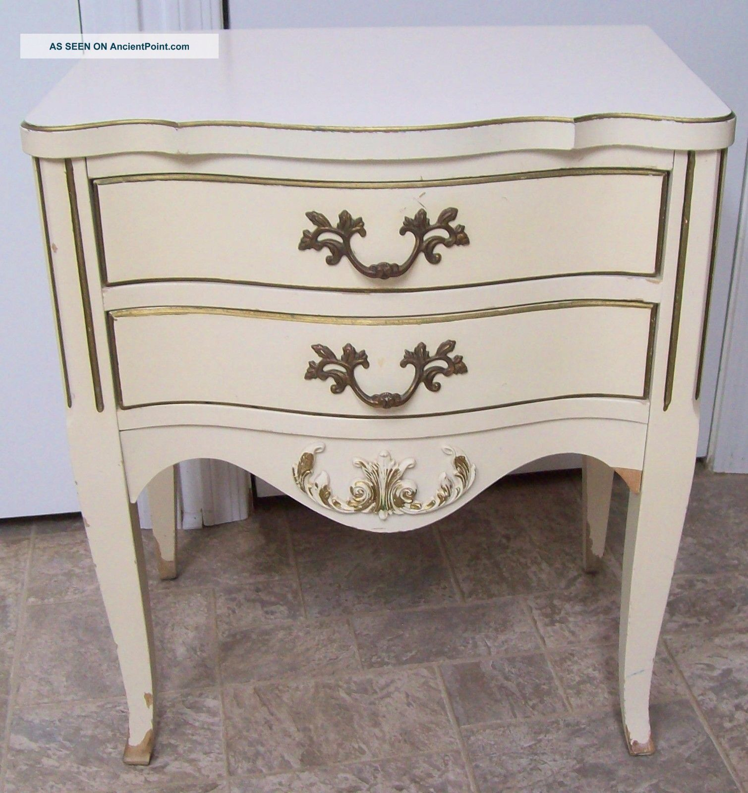 Vntg French Provincial Hollywood Regency Chic Cream Gold Night Stand 2 Drawer Post-1950 photo