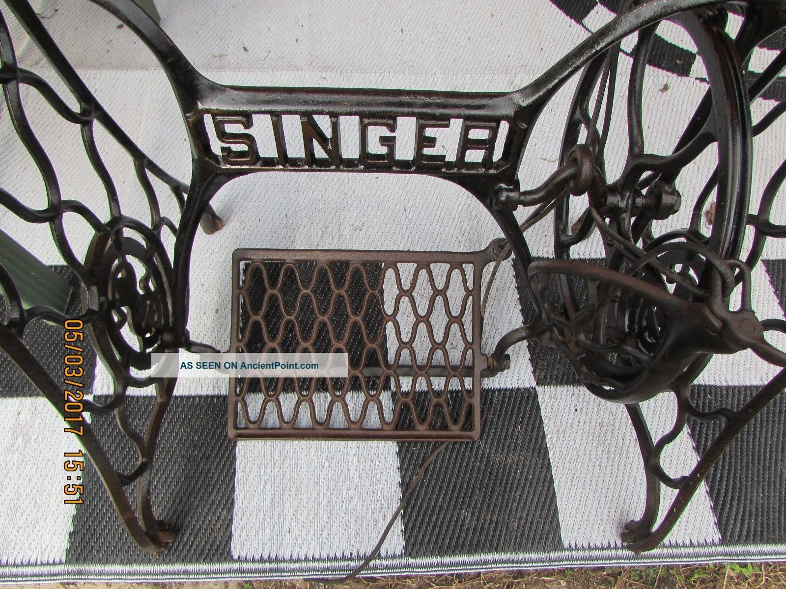 Antique Singer Treadle Sewing Machine Cast Iron Base With Rollers Sewing Machines photo