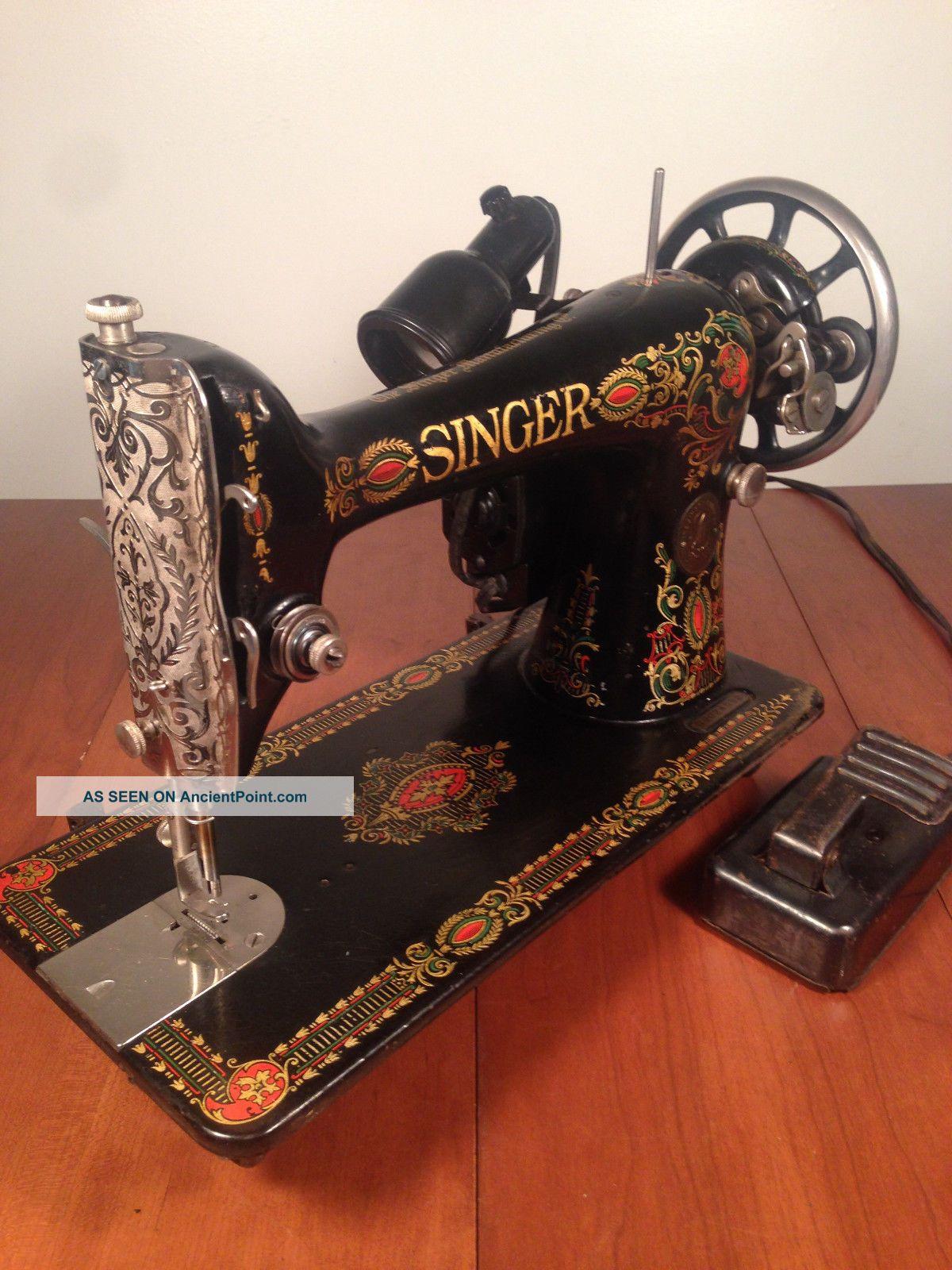 Antique Vintage Singer Model 66 Red Eye Sewing Machine Graphics Sewing Machines photo