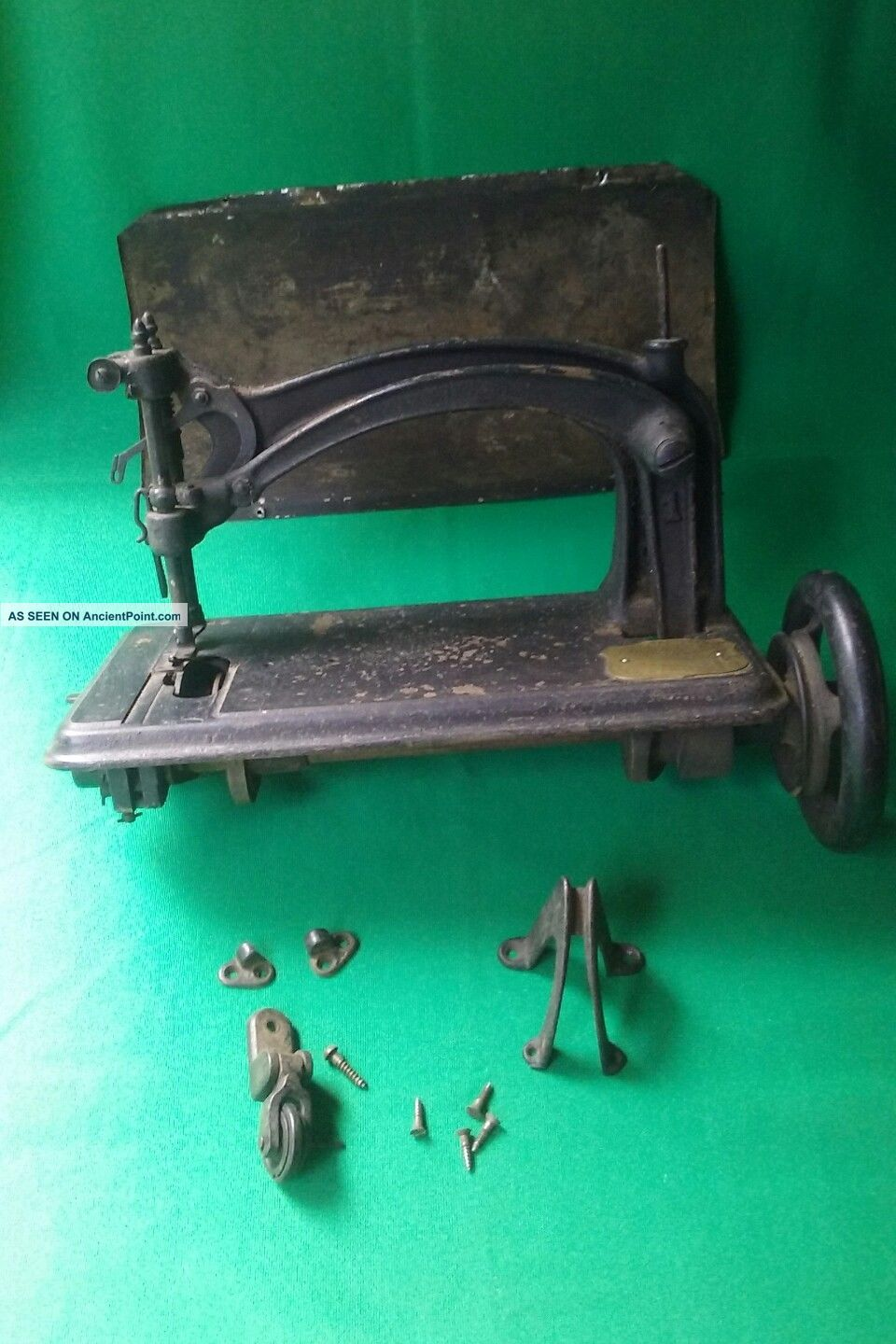 Antique/ Vintage American 1 Sewing Machine (50935) Sewing Machines photo