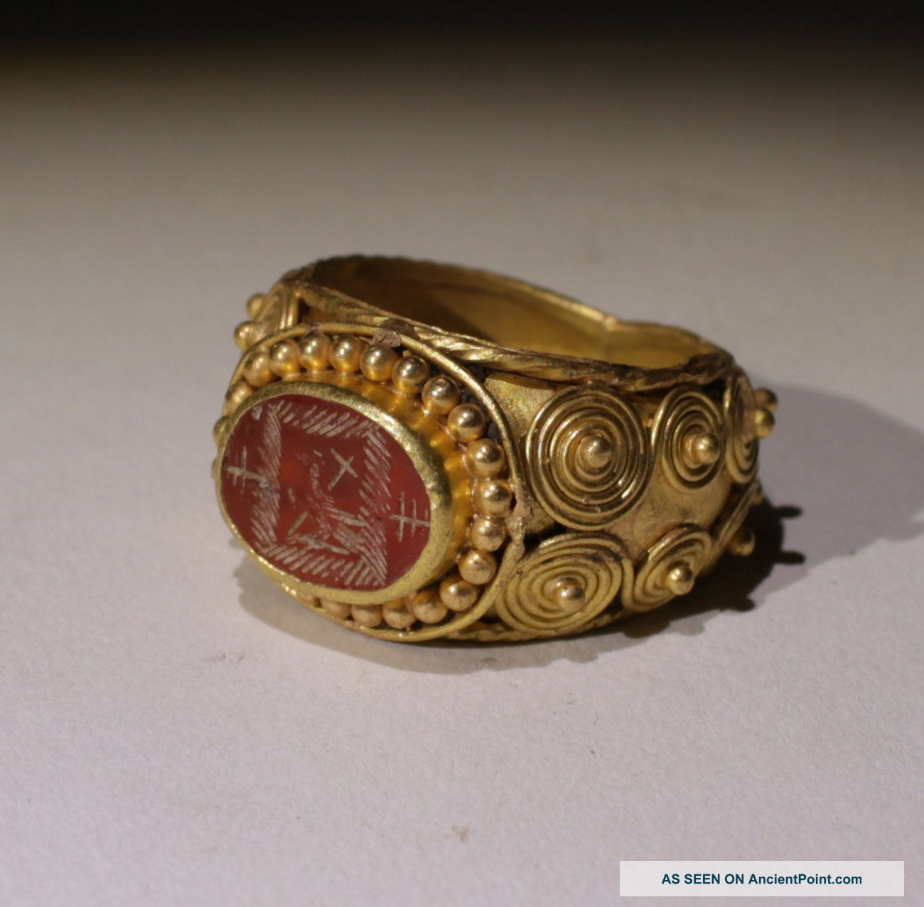 Substantial Ancient Roman Gold Intaglio Ring With Eagle - Circa 2nd Century Ad Roman photo