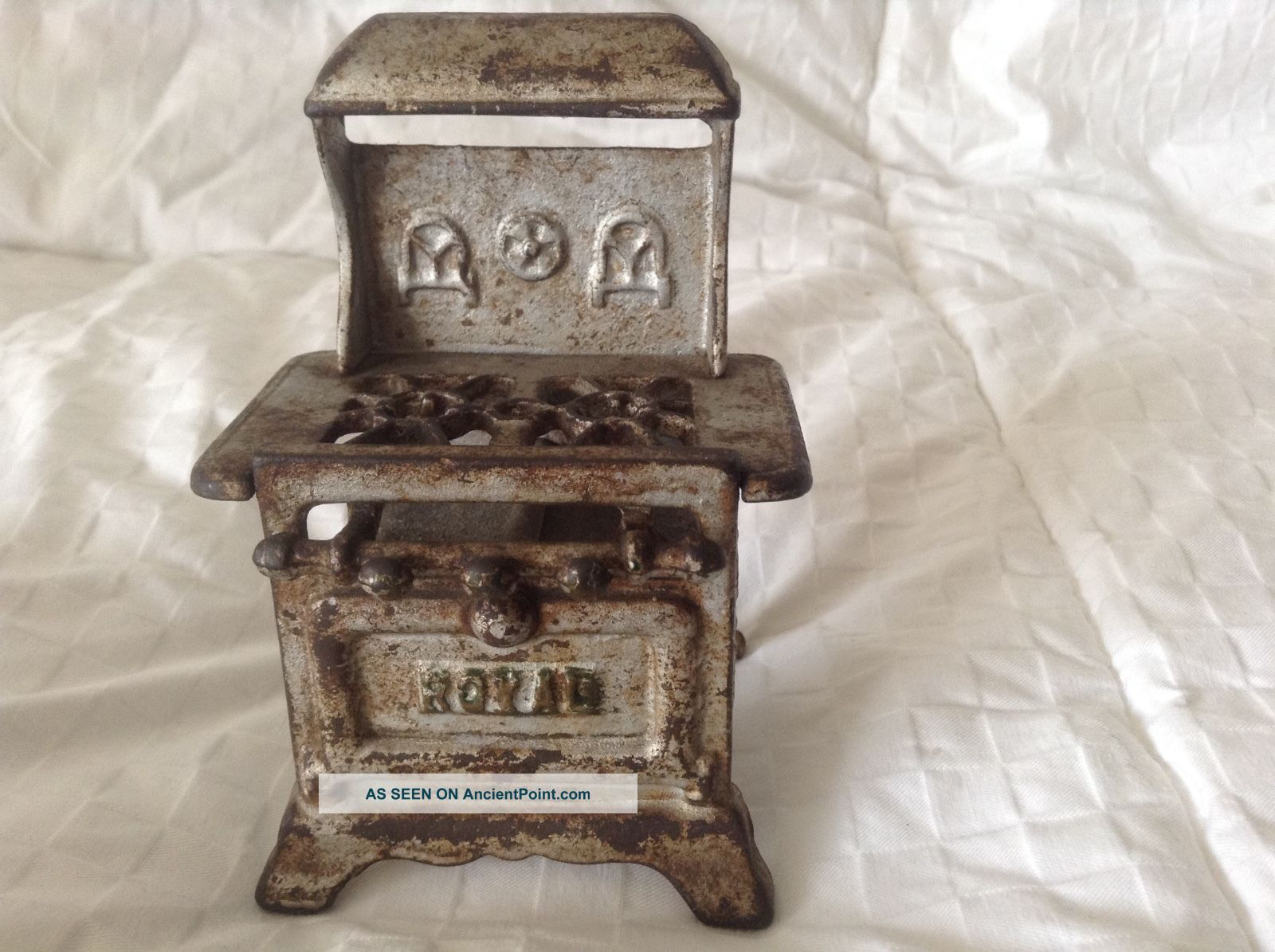 Royal Miniature Cast Iron Stove Traveling Salesman Display / Child ' S Toy 4 1/2