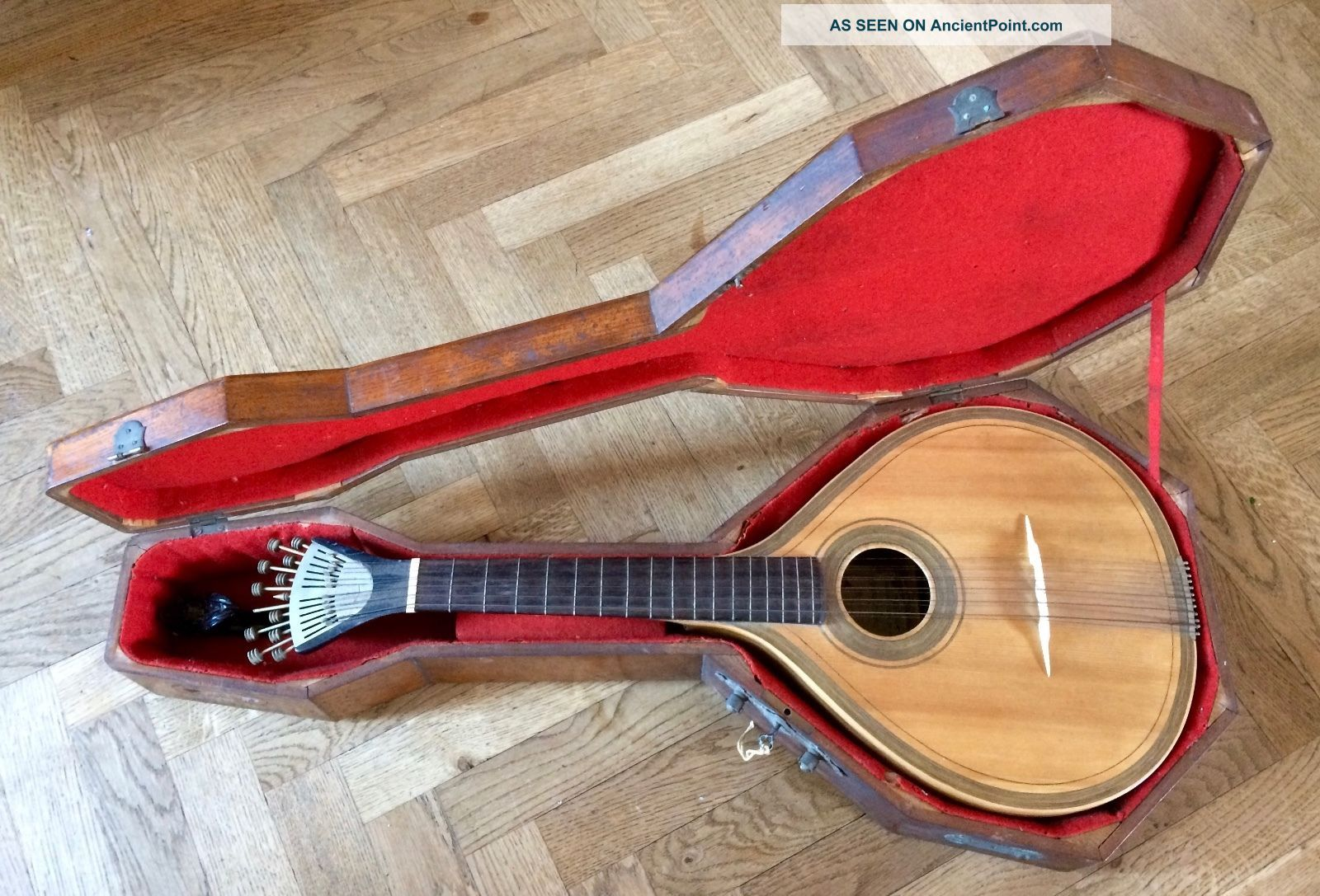 Old Portuguese Guitar About 1890 Fado Chitarra Antica Portoghese Guitarra Antiga String photo